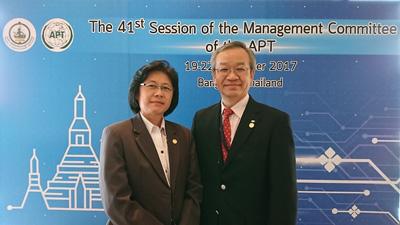 Haorangsi事務局長との写真