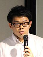 新井 薫 氏