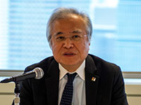 坂村 INIAD(東洋大学情報連携学部)学部長、cHUB(東洋大学学術実業連携機構)機構長、 東京大学名誉教授