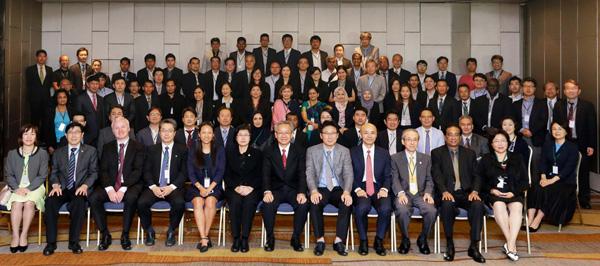 ASTAP-29会合参加者の集合写真